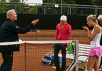 August 6, 2014, Netherlands, Rotterdam, TV Victoria, Tennis, National Junior Championships, NJK,  Umpire  Peter van den Hoven doing the toss<br /> Photo: Tennisimages/Henk Koster