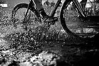 some splashing by Elle Anderson (USA/Kalas-NNOF)<br /> <br /> CX Leuven Soudal Classic 2015