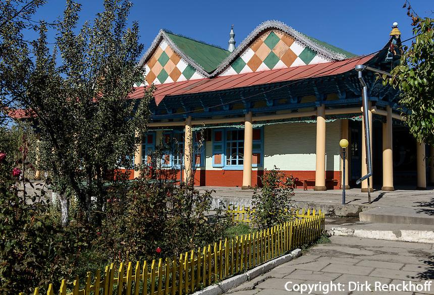Dungan Holzmoschee, Karakol, Kirgistan, Asien<br /> Dungan wooden mosque in Karakol, Kirgistan, Asia