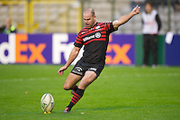 20121020 Copyright onEdition 2012©.Free for editorial use image, please credit: onEdition..Charlie Hodgson of Saracens takes a conversion attempt during the Heineken Cup Round 2 match between Saracens and Racing Metro 92 at the King Baudouin Stadium, Brussels on Saturday 20th October 2012 (Photo by Rob Munro)..For press contacts contact: Sam Feasey at brandRapport on M: +44 (0)7717 757114 E: SFeasey@brand-rapport.com..If you require a higher resolution image or you have any other onEdition photographic enquiries, please contact onEdition on 0845 900 2 900 or email info@onEdition.com.This image is copyright the onEdition 2012©..This image has been supplied by onEdition and must be credited onEdition. The author is asserting his full Moral rights in relation to the publication of this image. Rights for onward transmission of any image or file is not granted or implied. Changing or deleting Copyright information is illegal as specified in the Copyright, Design and Patents Act 1988. If you are in any way unsure of your right to publish this image please contact onEdition on 0845 900 2 900 or email info@onEdition.com