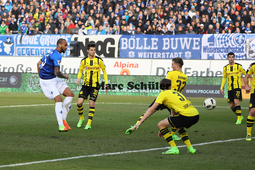Terrence Boyd (SV Darmstadt 98) erzielt das 1:0 - 11.02.2017: SV Darmstadt 98 vs. Borussia Dortmund, Johnny Heimes Stadion am Boellenfalltor