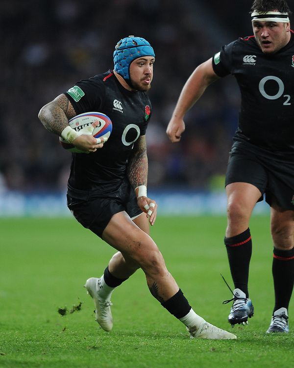 Jack Nowellof England changes direction during the Quilter International match between England and Japan at Twickenham Stadium on Saturday 17th November 2018 (Photo by Rob Munro/Stewart Communications)