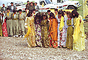 Iraq 1998.Celebration of Nowruz near Salaheddin.Irak 1998.Danse pendant les fetes de Nowruz a Salaheddin