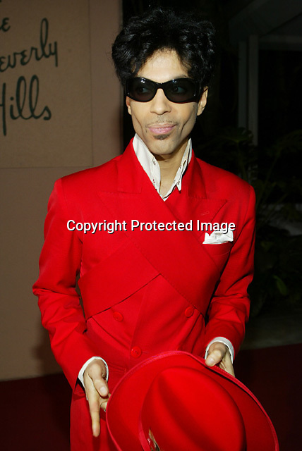 2/7/04, BEVERLY HILLS,CALIFORNIA ---  Prince arrives at Clive Davis' Pre-Grammy awards party at the Beverly Hills Hotel. --- Chris Farina