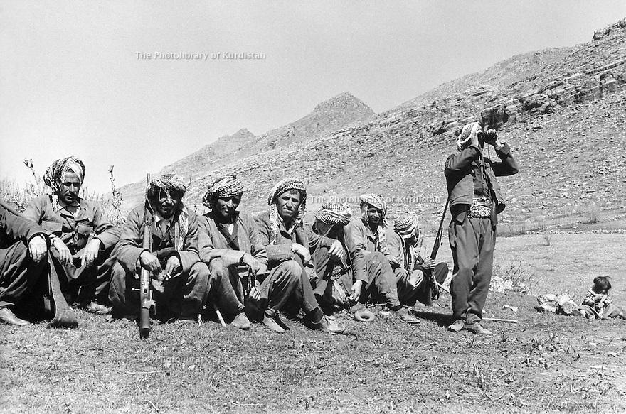 Iraq 1974 <br /> The resumption of hostilities , peshmergas resting   <br /> Irak 1974 <br /> La reprise de la lutte armée, des peshmergas au repos