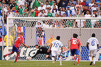 Honduras goalkeeper Noel Valladares (18) saves a penalty kick during the first half during a quarterfinal match of the 2011 CONCACAF Gold Cup at the New Meadowlands Stadium in East Rutherford, NJ, on June 18, 2011.