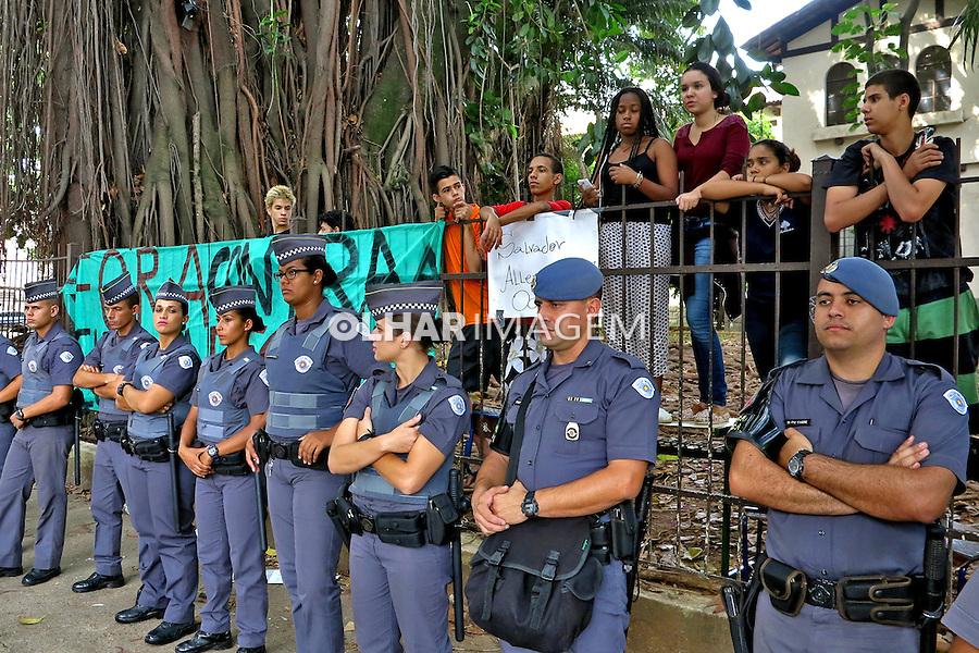 Ocupaçao da Escola Estadual Fernao Dias Paes, contra reorganização escolar do governo Alckmin. Sao Paulo. 2015. Foto de Marcia Minillo.