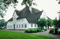 Roter Haubarg auf der Halbinsel Eiderstedt, Schleswig-Holstein