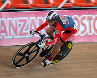 CALI - COLOMBIA - 17-01-2015: Mandy Manquardt de Estados Unidos en la prueba de Velocidad Damas en el Velodromo Alcides Nieto Patiño, sede de la III Copa Mundo UCI de Pista de Cali 2014-2015  / Mandy Manquardt of United States in the Women´s Sprint Race at the Alcides Nieto Patiño Velodrome, home of the III Cali Track World Cup 2014-2015 UCI. Photos: VizzorImage / Luis Ramirez / Staff.