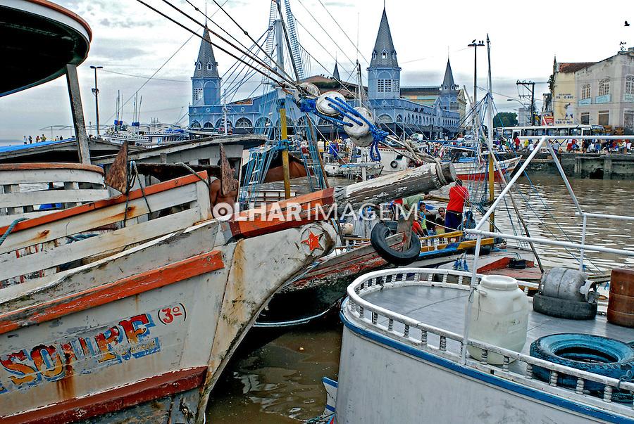 Barraca de peixes no Mercado Ver-o-peso. Belem. Pará. 2008. Foto de Ricardo Azoury.