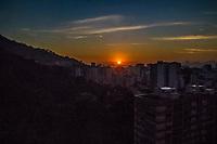 RJ. Rio de Janeiro. 22.07.2020 CLIMA TEMPO Amanhecer desta quarta-feira, (22), vista do bairro das Laranjeiras, zona sul. (Foto: Ellan Lustosa / Código19).