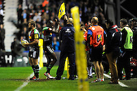 Ugo Monye of Harlequins thanks the fans as he leaves the pitch for the last time playing for Harlequins at the Stoop