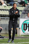 19.09.2020, Dietmar-Scholze-Stadion an der Lohmuehle, Luebeck, GER, 3. Liga, VfB Luebeck vs 1.FC Saarbruecken <br /> <br /> DFB REGULATIONS PROHIBIT ANY USE OF PHOTOGRAPHS AS IMAGE SEQUENCES AND/OR QUASI-VIDEO.<br /> <br /> im Bild / picture shows <br /> Trainer Rolf Martin Landerl (VfB Luebeck) applaudiert, klatscht in die Haende<br /> <br /> <br /> Foto © nordphoto / Tauchnitz