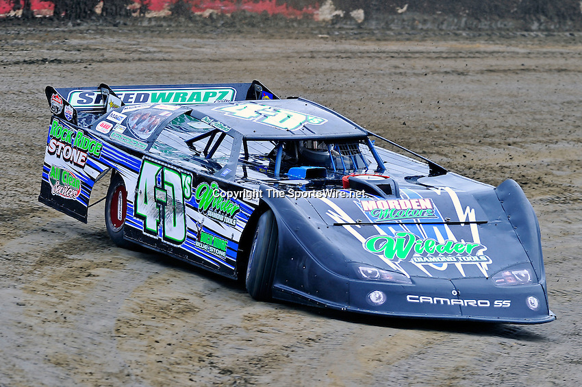 Feb 11, 2011; 11:26:44 AM; Gibsonton, FL., USA; The Lucas Oil Dirt Late Model Racing Series running The 35th annual Dart WinterNationals at East Bay Raceway Park.  Mandatory Credit: (thesportswire.net)