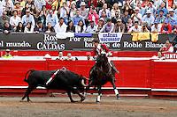 MANIZALES - COLOMBIA - 08 - 01-2014: Pedro Hermoso de Mendoza, rejoneador español, en la tercera corrida de temporada en la Plaza de Toros de Manizales, durante la 58 feria de Manizales. Pedro Hermoso de Mendoza, a spanish rejoneador, during the third bullfight in the Plaza de Toros de Manizales during the 58 Manizales Fair. Photo: VizzorImage / Santiago Osorio / Str.