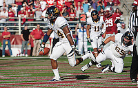 Shane Vereen scores Ca's first touchdown. The University of California football defeated Washington State University 20-13 at Martin Stadium in Pullman, Washington on November 6th, 2010.