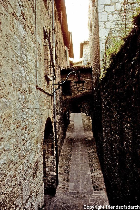 Italy: Gubbio--Narrow street from Ducal Palace. Photo '83.