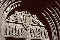 Europe/France/Auvergne/15/Cantal/Mauriac: Tympan du portail de la Basilique Notre Dame des Miracles