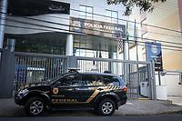 Campinas (SP), 16/04/2021 - Operação-Auxilio - Movimentação na sede da Polícia Federal em Campinas, durante a operação Lotter. A Polícia Federal deflagrou na manhã desta sexta-feira (16) duas operações para desarticular organização criminosa, situada no interior do estado de São Paulo, especializada em fraudar contas de beneficiários do auxílio emergencial.