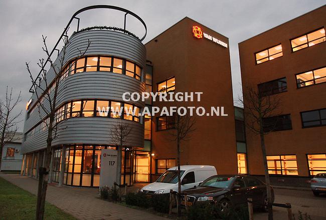 arnhem 051206 exterieur bouwbedrijf van Wijnen werd vanmorgen beklad ivm werkzaamheden voor detentiecentrum<br /> foto Frans Ypma APA-foto