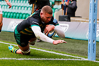 21st March 2021; Franklin's Gardens, Northampton, East Midlands, England; Premiership Rugby Union, Northampton Saints versus Bristol Bears; Nick Isiekwe of Northampton Saints goes over for his team's first try