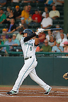 Daytona Tortugas shortstop Alex Blandino (5) in action during a game against the Clearwater Threshers at Radiology Associates Field at Jackie Robinson Ballpark on May 9, 2015 in Daytona, Florida. Clearwater defeated Daytona 7-0. (Robert Gurganus/Four Seam Images)