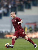 Calcio, Serie A: Lazio vs Roma. Roma, stadio Olimpico, 4 dicembre 2016.<br /> Roma's Radja Nainggolan in action during the Italian Serie A football match between Lazio and Rome at Rome's Olympic stadium, 4 December 2016. Roma won 2-0.<br /> UPDATE IMAGES PRESS/Isabella Bonotto