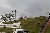 Indaiatuba (SP), 18/11/2020 - Clima - Na foto, placa de identificação da fabrica da Toyota caida. As fortes chuvas que atingirtam a RMC (Região Metropolitana de Campinas) n na noite desta terça-feira (17) causaram estragos na cidade de Indaiatuba, interior de São Paulo. O teto de um posto de combustivel e vários postes e arvores no Europark Comercial cairam.