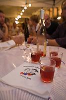 Europe/France/Alsace/67/Bas-Rhin/ Marlenheim: Verres  de vin rosé d'Alsace, Pinot noir rosé,  lors  de la Fête du Mariage de l'Ami Fritz
