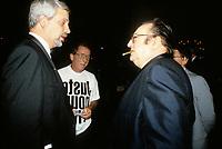 Pierre-marc Johnson (g) et Raymond Devos<br />  au Festival Juste Pour Rire, 10 juillet 1987<br /> <br /> PHOTO D'ARCHIVE : Agence Quebec Presse
