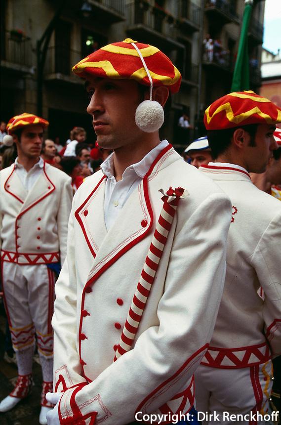 Spanien, Navarra, Pamplona, Fiesta San Fermin, baskische Trachten