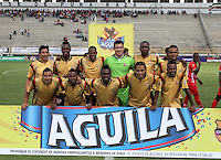 TUNJA -COLOMBIA, 01-03-2015: Jugadores de Aguilas Pereira posan para una foto previo al partido contra Patriotas FC por la fecha 7 de La Liga Aguila I 2015 jugado en el estadio La Independencia de la ciudad de Tunja. / Players of Aguilas Pereira pose to a photo prior the match against Patriotas FC for the 5th date of La Liga Aguila I 2015 played at La Independence stadium in Tunja. Photo: VizzorImage / Cesar Melgarejo A  / Cont
