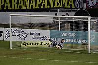 Campinas (SP), 13/05/2021 - Futebol - Ponte Preta - Botafogo-SP - Ygor Vinhas defend penalti e classifica a Ponte Preta. Partida entre Ponte Preta e Botafogo-SP pelas quartas de final do Troféu do Interior, nesta quinta-feira (13), no Estádio Moisés Lucarelli, em Campinas (SP).