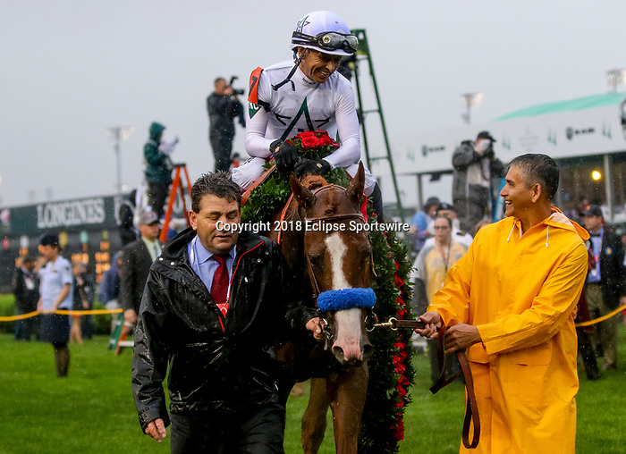 LOUISVILLE, KY - MAY 05: Jimmy Barnes, assistant trainer to Justify, talk to Mike Smith after Justify wins the 144th Kentucky Derby at Churchill Downs on May 5, 2018 in Louisville, Kentucky. (Photo by Candice Chavez/Eclipse Sportswire/Getty Images)