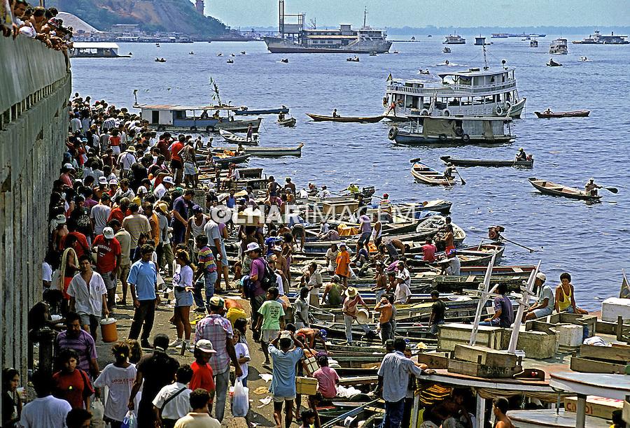 Mercado de  peixes em Manaus. Amazonas. 1994. Foto de Juca Martins.