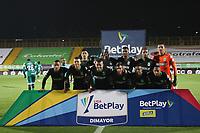 BOGOTÁ- COLOMBIA, 25-04-2021:Jugadores del Atlético Nacional  posan para una foto previo al partido por los cuartos de final entre La Equidad y el  Atlético Nacional como parte de la Liga BetPlay DIMAYOR 2021 jugado en el estadio Metropolitano de Techo de la ciudad de Bogotá / La Equidad players pose for a photo prior to the quarterfinal match between La Equidad and Atlético Nacional as part of the BetPlay DIMAYOR 2021 League played at the Metropolitano de Techo stadium in the city of Bogotá. Photo: VizzorImage / Felipe Caicedo / Staff