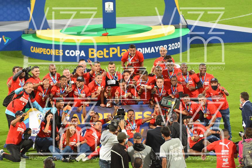 MEDELLÍN- COLOMBIA, 11-02-2021: Independiente Medellín celebra al ganar la Copa Betplay 2020 al vencer al Deportes Tolima.Independiente Medellín y Deportes Tolima en partido por la final de la Copa BetPlay DIMAYOR 2020 jugado en el estadio Atanasio Girardot de la ciudad de Medellín  / Independiente Medellín celebrates by winning the 2020 Betplay Cup by beating Deportes Tolima.Independiente Medelllin and Deportes Tolima in match for the final as part of BetPlay DIMAYOR Cup 2020 played at Atanasio Girardot stadium in Medellin. Photo: VizzorImage / Luis Benavides / Contribuidor