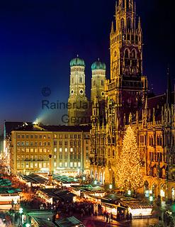 Deutschland, Bayern, Oberbayern, Muenchen: Weihnachtsmarkt auf dem Marienplatz | Germany, Bavaria, Upper Bavaria, Munich: Christmas Fair at Marien Square