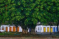 Praça da Matriz em Paraty. Rio de Janeiro. 2006. Foto de Rogério Reis.