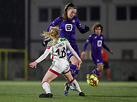 Tine De Caigny (6) of Anderlecht and Tess Lameir (18) of OHL battle for the ball during a female soccer game between Oud Heverlee Leuven and RSC Anderlecht on the 12 th matchday of the 2020 - 2021 season of Belgian Womens Super League , sunday 31 st of January 2021  in Heverlee , Belgium . PHOTO SPORTPIX.BE | SPP | SEVIL OKTEM