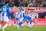 Antoine Griezmann (r) of Atletico de Madrid fights for the ball with Robert Ibanez of Deportivo Leganes during their La Liga match between Atletico de Madrid and Deportivo Leganes at the Vicente Calderón Stadium on 04 February 2017 in Madrid, Spain. Photo by Diego Gonzalez Souto / Power Sport Images