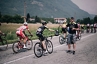 Mikel Nieve (ESP/Mitchelton-Scott) catching his musette in de feedzone<br /> <br /> stage 20: Susa - Cervinia (214km)<br /> 101th Giro d'Italia 2018