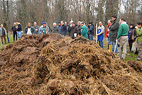 cascina Pirola, a Zelata di Bereguardo (PV), Agricoltura Biodinamica,  filosofia antroposofica di Rudolf Steiner . corso agricoltura biodinamica, preparazione concime