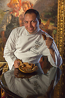 Italie, Val d'Aoste, Cogne, Hôtel Bellevue : Le chef   Fabio Iacovone//  Italy, Aosta Valley, Cogne, Bellevue hotel,   Fabio Iacovone, chef  [Non destiné à un usage publicitaire - Not intended for an advertising use]