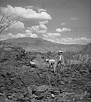 Beim Mixco viejo, Guatemala 1970er Jahre. Near Mixco viejo, Guatemala 1970s.