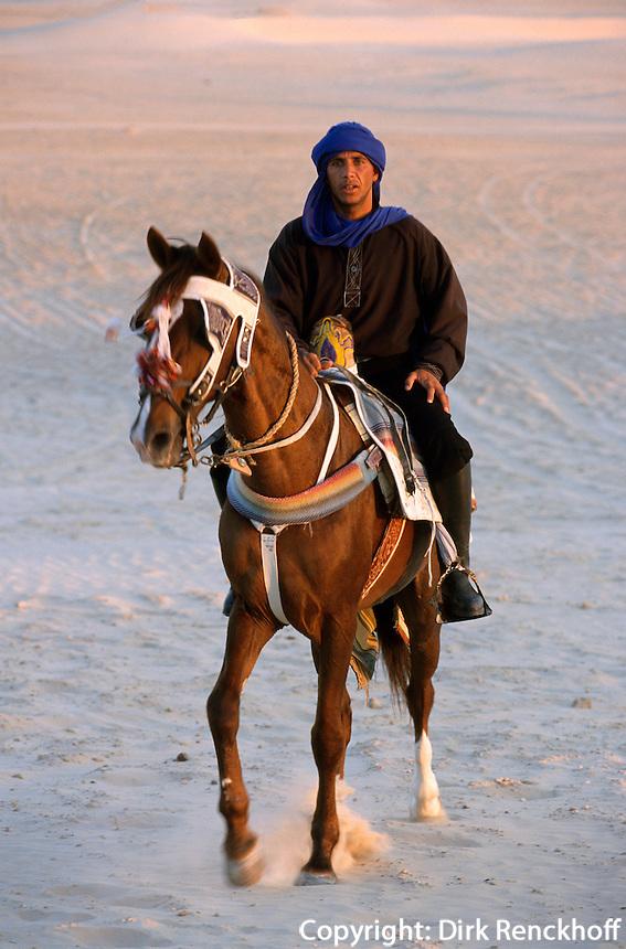 Reiter bei Douz, Tunesien