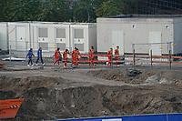 Mannschaft des SC Paderborn 07in der Baustelle des Stadion am Böllenfalltor<br /> <br /> - 08.11.2020: Fussball 2. Bundesliga, Saison 20/21, Spieltag 7, SV Darmstadt 98 - SC Paderborn 07, emonline, emspor, <br /> <br /> Foto: Marc Schueler/Sportpics.de<br /> Nur für journalistische Zwecke. Only for editorial use. (DFL/DFB REGULATIONS PROHIBIT ANY USE OF PHOTOGRAPHS as IMAGE SEQUENCES and/or QUASI-VIDEO)