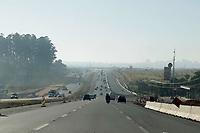 Campinas (SP), 29/05/2020 - Clima - A cidade de Campinas, interior de São Paulo, está em estado de atenção por causa da baixa umidade relativa do ar. O alerta é do Departamento de Defesa Civil de Campinas, conforme dados da Estação Ciiagro/IAC Campinas. É declarado estado de atenção quando a umidade relativa do ar está entre 20% e 30%. Na foto vista da rodovia Dom Pedro.