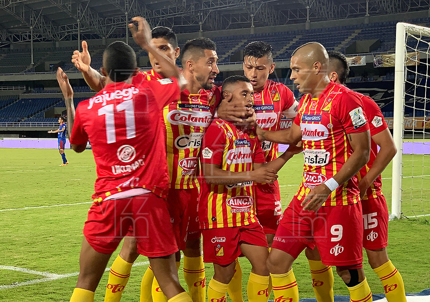 PEREIRA - COLOMBIA, 15-11-2020: Jugadores del Pereira celebran después de anotar el primer gol durante partido por la fecha 20 de la Liga BetPlay DIMAYOR 2020 entre Deportivo Pereira y Deportivo Pasto jugado en el estadio Hernan Ramirez Villegas en Pereira. / Players of Pereira celebrate after scoring the first goal during match for the for the date 20 as part of BetPlay DIMAYOR League 2020 between Deportivo Pereira and Deportivo Pasto played at Hernan Ramirez Villegas stadium in Pereira city.  Photo: VizzorImage / Pablo Bohorquez / Cont