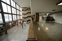 BOGOTÁ-COLOMBIA-18-01-2013. Complejo Judicial Paloquemao, hall principal./  Paloquemao Court Complex, main hall. Photo: VizzorImage/STR
